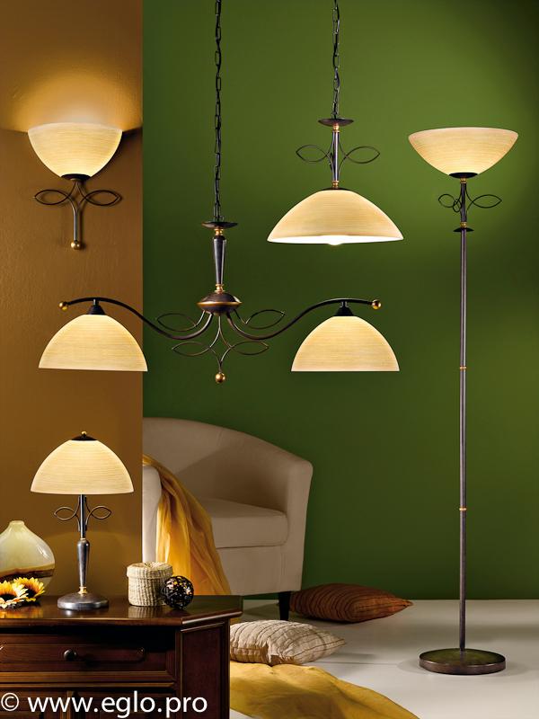 Торшеры и настольные лампы в интерьере фото