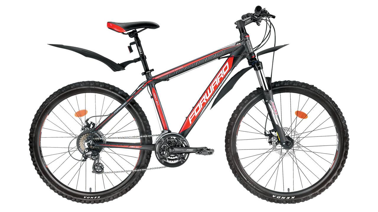 Forward Next 2.0 Disc (2015)Горные<br>Горный велосипед FORWARD NEXT 2.0 DISC (2015) создан на базе лёгкой и прочной алюминиевой рамы (сплав 6061). Передняя амортизационная вилка, имеющая регулировку предварительной нагрузки и гидравлическую блокировку, поспособствует приятным и комфортным поездкам. На велосипед установлены дисковые механические тормоза. Их надёжность и эффективность торможения значительно выше, чем у тормозов других типов, а правильное расположение ближе к центру колеса не даёт воде и грязи попасть в тормоз и повлиять на качество торможения.<br>Велосипед оборудован передним и задним переключателями (манетки-триггеры), расширяющими диапазон переключения до 21 скорости, что значительно увеличивает запас хода и максимальную скорость. Колёса велосипеда собраны на основе прочных двойных ободов диаметром 26 дюймов. Велосипед укомплектован лёгкими и прочными пластиковыми крыльями, которые защитят велосипедиста от воды и грязи в плохую погоду.<br>