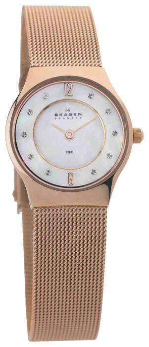 Skagen 233XSRR - женские наручные часы из коллекции MeshSkagen<br><br><br>Бренд: Skagen<br>Модель: Skagen 233XSRR<br>Артикул: 233XSRR<br>Вариант артикула: None<br>Коллекция: Mesh<br>Подколлекция: None<br>Страна: Дания<br>Пол: женские<br>Тип механизма: кварцевые<br>Механизм: None<br>Количество камней: None<br>Автоподзавод: None<br>Источник энергии: от батарейки<br>Срок службы элемента питания: None<br>Дисплей: стрелки<br>Цифры: арабские<br>Водозащита: WR 30<br>Противоударные: None<br>Материал корпуса: нерж. сталь, покрытие: позолота<br>Материал браслета: не указан, покрытие: позолота<br>Материал безеля: None<br>Стекло: минеральное<br>Антибликовое покрытие: None<br>Цвет корпуса: None<br>Цвет браслета: None<br>Цвет циферблата: None<br>Цвет безеля: None<br>Размеры: 24x7.25 мм<br>Диаметр: None<br>Диаметр корпуса: None<br>Толщина: None<br>Ширина ремешка: None<br>Вес: None<br>Спорт-функции: None<br>Подсветка: None<br>Вставка: кристаллы Swarovski<br>Отображение даты: None<br>Хронограф: None<br>Таймер: None<br>Термометр: None<br>Хронометр: None<br>GPS: None<br>Радиосинхронизация: None<br>Барометр: None<br>Скелетон: None<br>Дополнительная информация: браслет, стрелки и метки с позолотой 5 мкм<br>Дополнительные функции: None