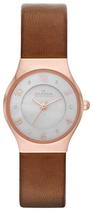Skagen SKW2210 - женские наручные часы из коллекции LeatherSkagen<br><br><br>Бренд: Skagen<br>Модель: Skagen<br>Артикул: SKW2210<br>Вариант артикула: None<br>Коллекция: Leather<br>Подколлекция: None<br>Страна: Дания<br>Пол: женские<br>Тип механизма: кварцевые<br>Механизм: None<br>Количество камней: None<br>Автоподзавод: None<br>Источник энергии: от батарейки<br>Срок службы элемента питания: None<br>Дисплей: стрелки<br>Цифры: арабские<br>Водозащита: WR 30<br>Противоударные: None<br>Материал корпуса: нерж. сталь, PVD покрытие: позолота (полное)<br>Материал браслета: кожа (не указан)<br>Материал безеля: None<br>Стекло: минеральное<br>Антибликовое покрытие: None<br>Цвет корпуса: None<br>Цвет браслета: None<br>Цвет циферблата: None<br>Цвет безеля: None<br>Размеры: 24 мм<br>Диаметр: None<br>Диаметр корпуса: None<br>Толщина: None<br>Ширина ремешка: None<br>Вес: None<br>Спорт-функции: None<br>Подсветка: None<br>Вставка: None<br>Отображение даты: None<br>Хронограф: None<br>Таймер: None<br>Термометр: None<br>Хронометр: None<br>GPS: None<br>Радиосинхронизация: None<br>Барометр: None<br>Скелетон: None<br>Дополнительная информация: None<br>Дополнительные функции: None