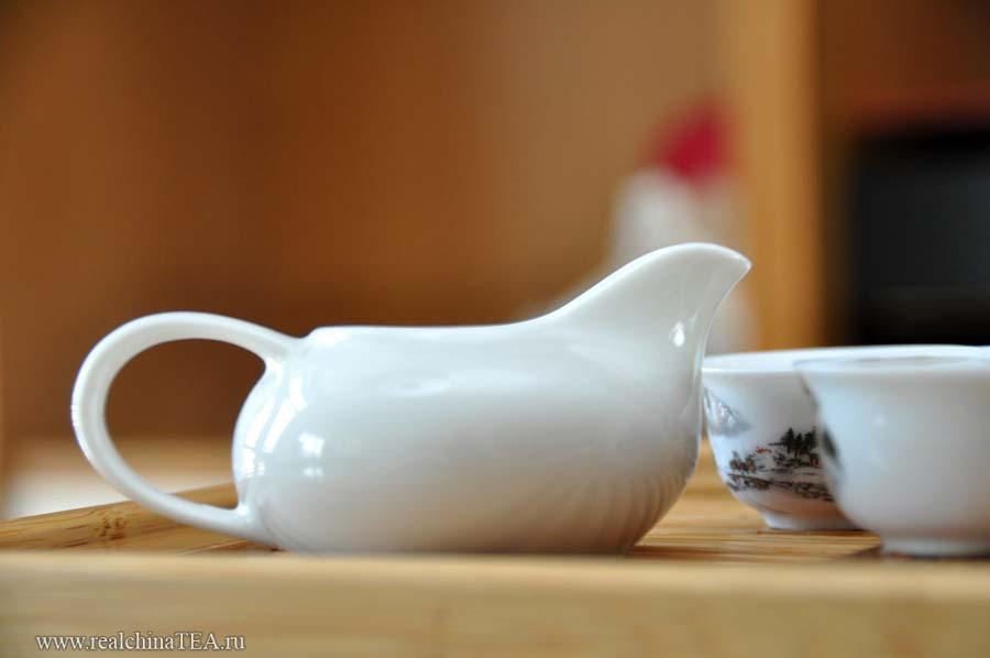 茶海 - Чахай - открытый чайничек из фарфора.