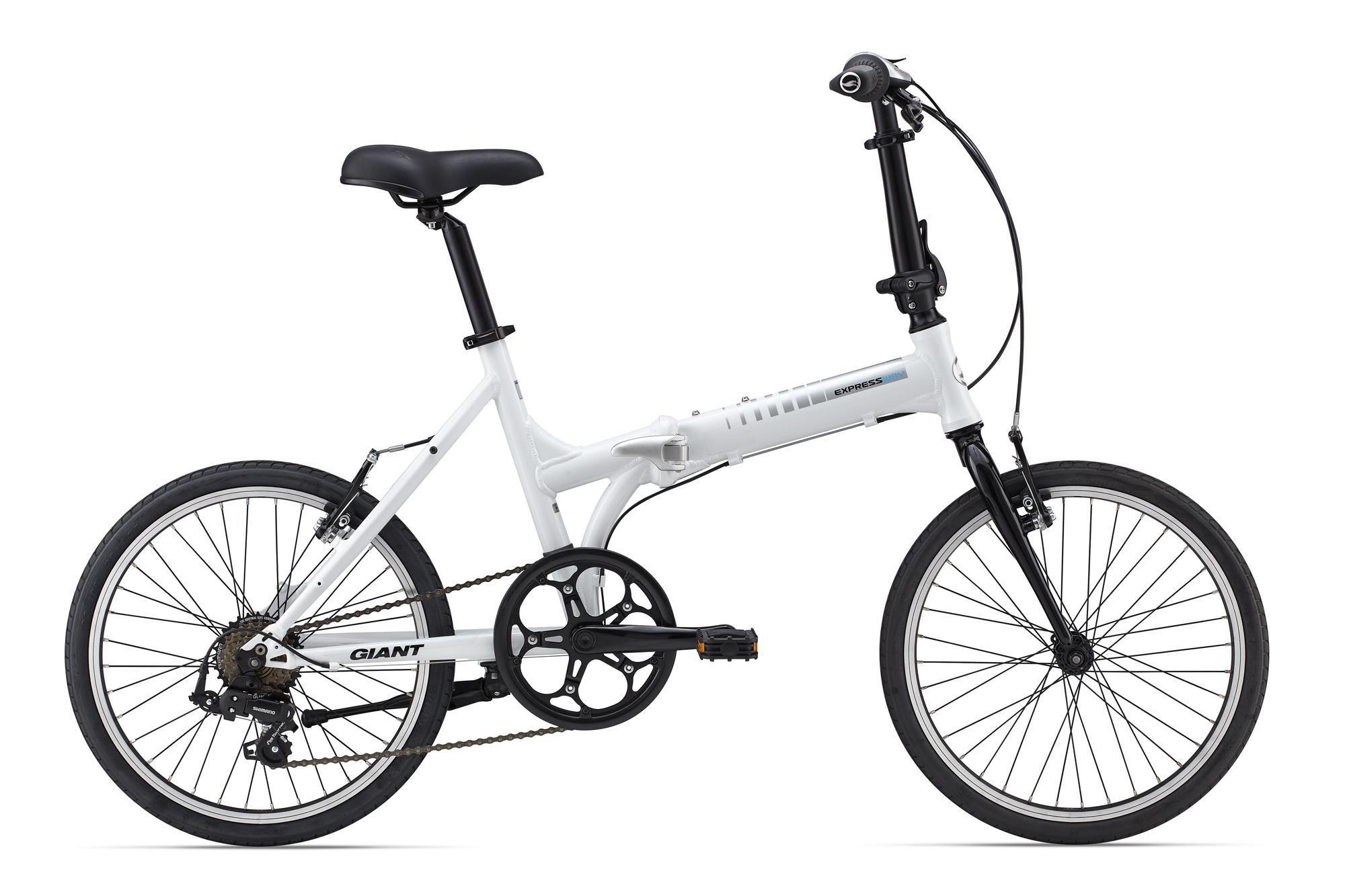 Giant Expressway 2 (2015)Городские<br>Один из самых легких складных велосипедов на рынке с ценой до 21 000 руб. Ощущение качества и технологичности будет преследовать каждое ваше обращение с этим велосипедом. Надежныеи супер-легкие к открытию шарниры, оригинальный дизайн, малый вес и минимализм - вот основные преимущества Expressway 2.<br>Модель 2015 года не претерпела существенных изменений - изменилась лишь окраска и принт на раме.<br><br>супер-малый вес - 11.6 кг,<br>оригинальный дизайн и конструкция рамы от Giant,<br>полное складывание - рама, педали, руль,<br>специальная многофункциональная подножка, которая подгибается вбок для установки на неё велосипеда в сложенном виде,<br>регулировка сидения и руля по высоте,<br>плавный и бесшумный ход, благодаря гладкой асфальтовой резине,<br>оптимальный рост - 145 - 180 см,<br>чехол с креплением на руль в комплекте.<br>
