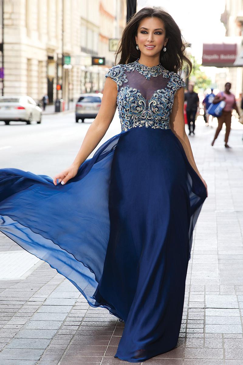 Платья в пол с бисером