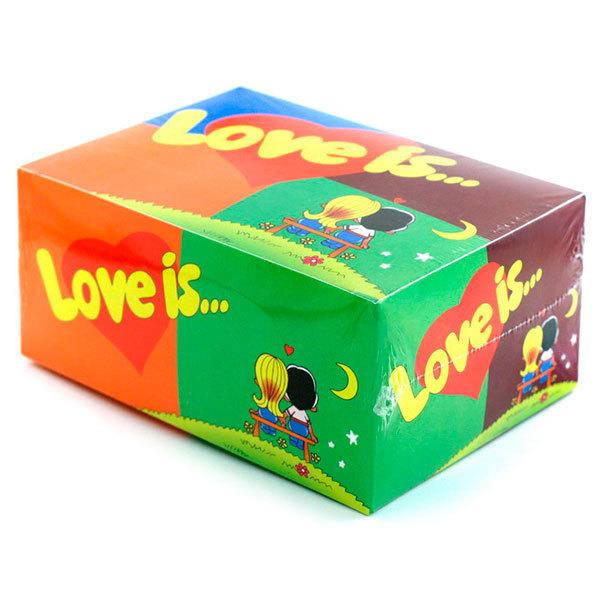 Жвачка Love is MIX, блок 80 шт.День рождения<br>Love is… это турецкая жевательная резинка, в обертке которой находятся вкладыши про любовь. Эта жвачка была популярна еще в 90-х годах, и по сей день не теряет своей популярности. А где купить жвачку love is...? Конечно в нашем интернет-магазине!Покупайте сразу блок жвачек Love is mix 80 штук!Это отличный подарок для девушки и для парня. Блок Ассорти инетресен тем, что внутри вы обнаружите все оригинальные вкусы жвачки Love is из 90 годов: банан - клубника, апельсин - ананас, лимон - яблоко и вишня - лимон.<br>Упаковка жвачек love is mix состоит из 80 жвачек с разными вкусами. Если вы ребенок из 90-х и помните эти замечательные вкусы – банан и клубника, мята и ментол, а так же прочие вкусы то торопитесь скорее блок жвачки love is купить, и вспомнить свое счастливое детство!<br>«Love is...» сегодня не просто жевательная резинка, а культурное явление, знаковый продукт 90-х годов.<br>Одна подушечка Love isАссортиспособна перенести вас в мир детства, а история на вкладыше — подарить отличное настроение!<br>В коробке :80 шт.<br>Что внутри:Жевательная резинка Love Is... со вкусом яблока и лимона, банана и клубники, апельсина и ананаса, вишни и лимона.<br>Вес:450 г.<br>Размер (ДхШхВ): 14,0 см х 6,5 см х 10,0 см<br>Производитель жевательной резинки:Турция<br>Срок годности:2 года<br>