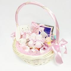 Корзинка с подарками для новорожденных 81