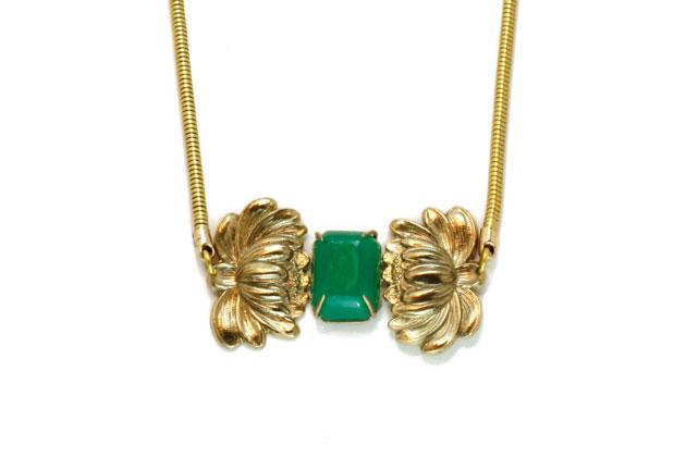 Купите подвеску с агатом зеленого цвета от Beatriz Palacios