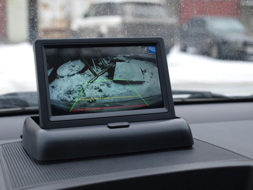 monitor-dlya-zadnego-obzora.jpg