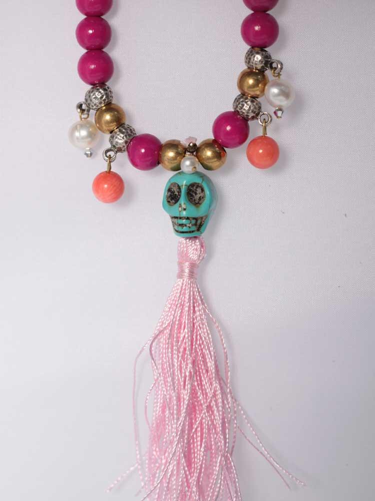 Ярко-розовые бусы-ожерелье с черепом, коралловыми бусинами и жемчугом