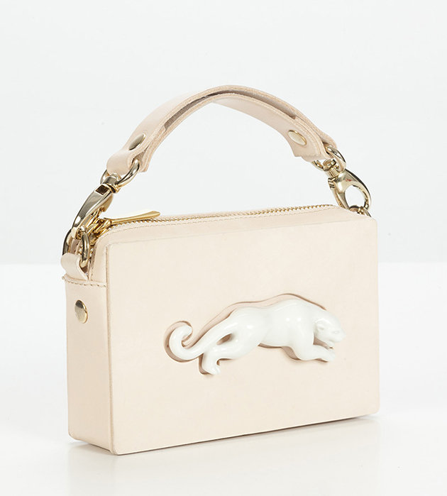 оригинальная сумка из кожи и фарфора Rectangular Panther Bag от ANDRES GALLARDO