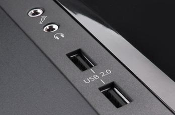 Поддерживает 4 порта USB 2.0