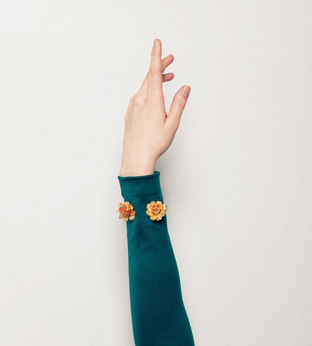 золотой браслет с цветами Flower bracelet от Beatriz Palacios