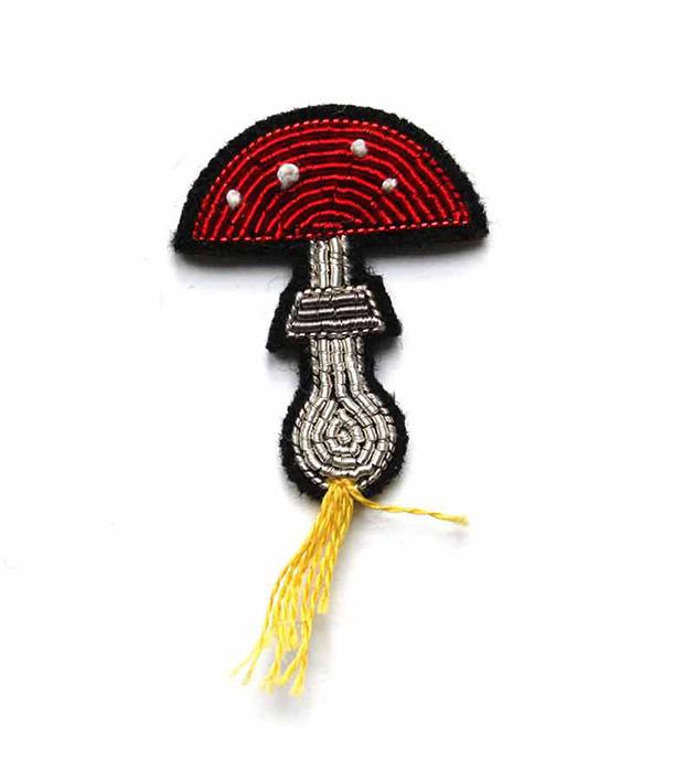 необычная брошь ручной работы Love Potion pin от французского бренда Macon&Lesquoy