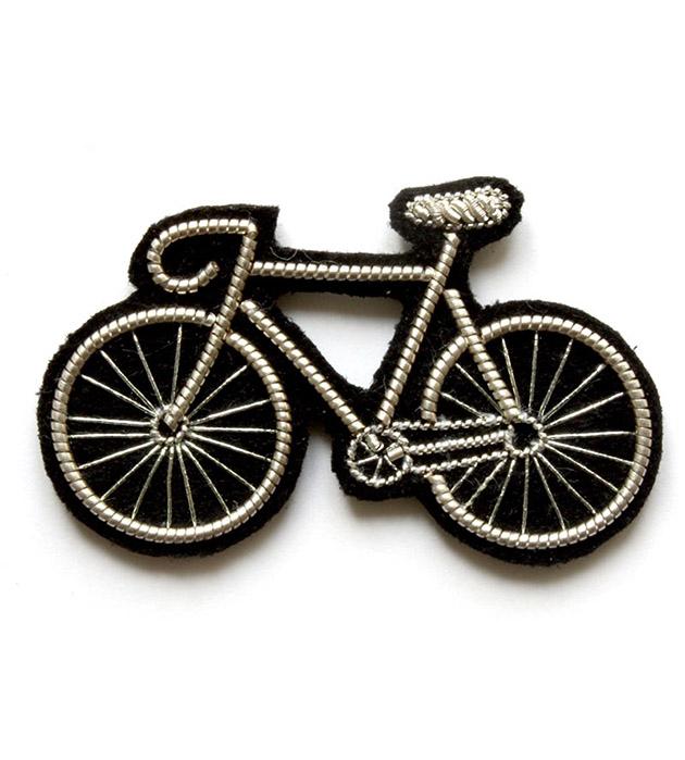 расшитая вручную брошь Bicycle от французского бренда Macon&Lesquoy