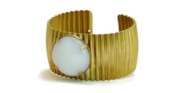 Купите браслет-манжет от Beatriz Palacios