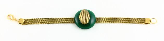 Купите металлический браслет с зеленым кристаллом