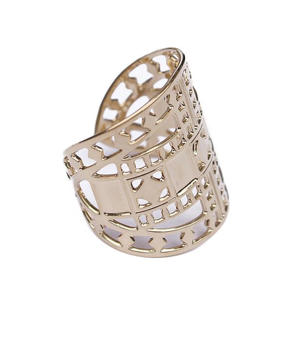 купите резное кольцо золотого цвета Vassily от Chic Alors-Paris