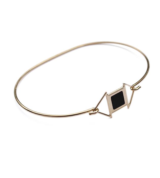 купите изящный браслет в стиле арт-деко с чёрной эмалью Edwin от Chic Alors-Paris
