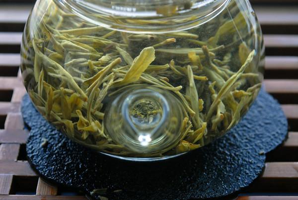 чайные листочки Дунтина