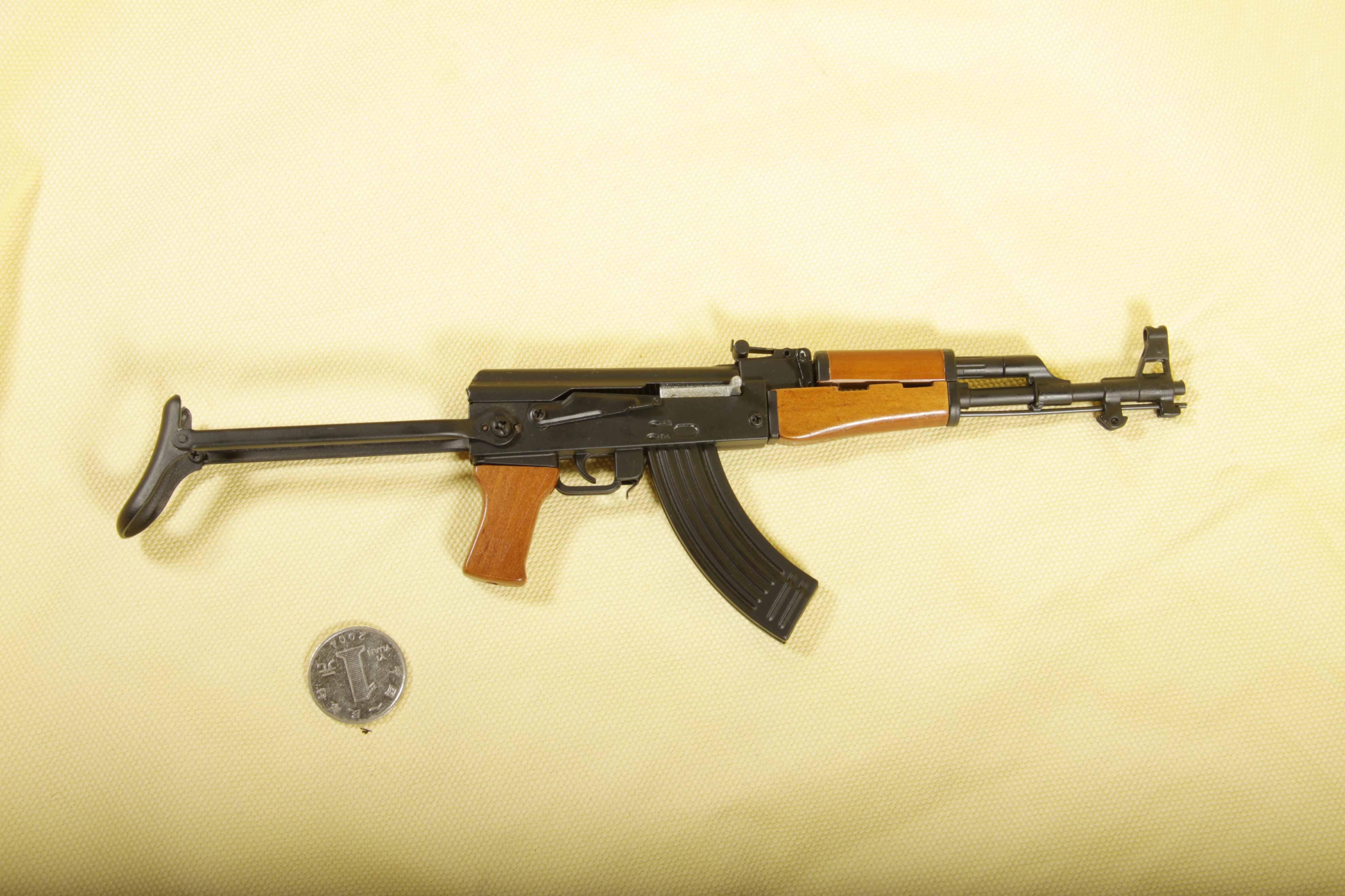 модель AK-47-s