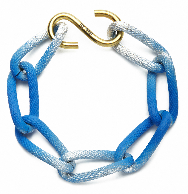 Купите массивный браслет синего цвета из металла от by soif