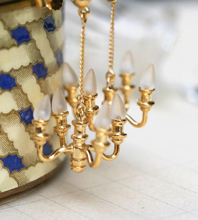 позолоченные серьги-люстры ручной работы Mini Chandelier от Miss Bibi