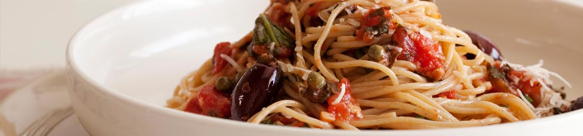Итальянские блюда рецепты Спагетти алла путанеска купить с доставкой по Москве и Московской области