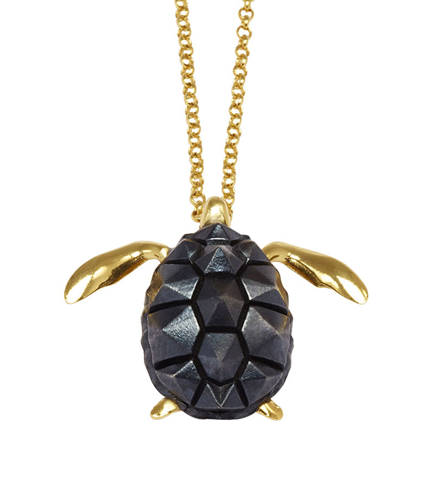 скульптурная подвеска-черепаха TURTLE NECKLACE от Thomas.V