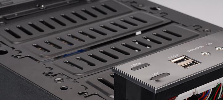 Передние модули позволяют легко поменять компоненты системы