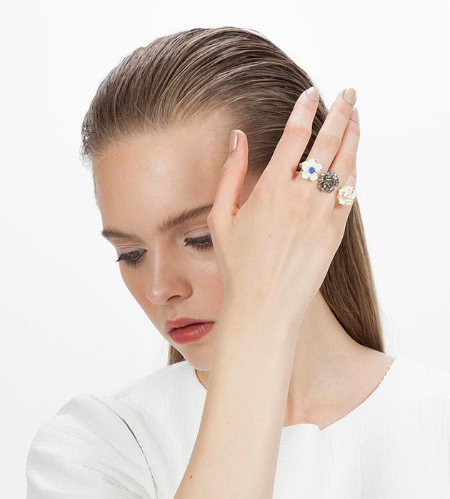 кольцо на два пальца из испанского фарфора Trio Flower Blue от ANDRES GALLARDO