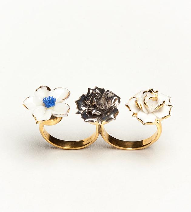 изысканное кольцо на флористическую тематику от ANDRES GALLARDO - Trio Flower Blue