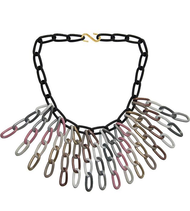 купите длинное разноцветное колье из алюминия от Sister Sister Project