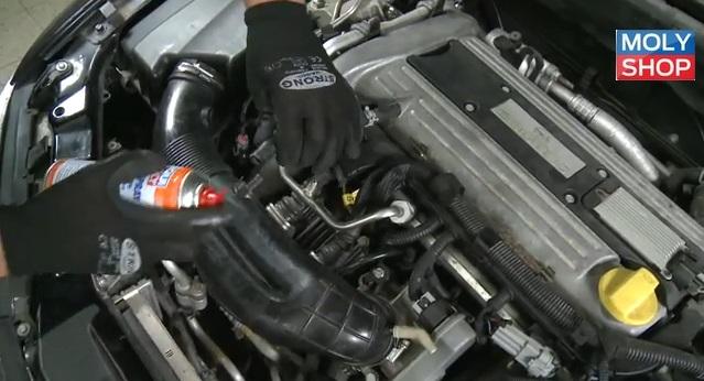 Смазка силикон применяется на резиновых частях в двигателе автомобиля