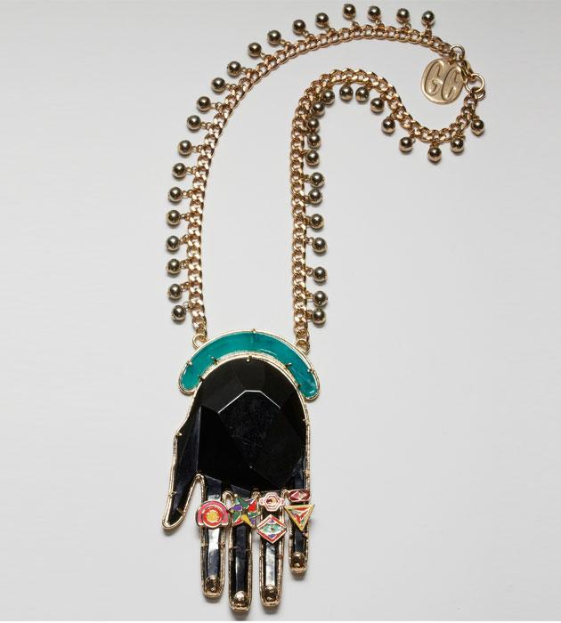 купить необычное колье черного цвета рука с эмалью Gonzalo Cutrina фото