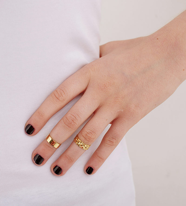 купите комплект из двух колец на фалангу золотого цвета от Maria Francesca Pepe
