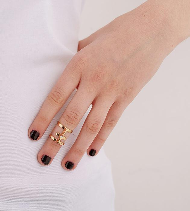 купите оригинальное кольцо-крест на фалангу от Maria Francesca Pepe