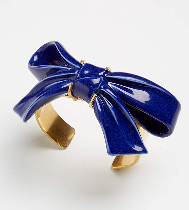 браслет в форме банта из испанского фарфора Bow Blue от ANDRES GALLARDO