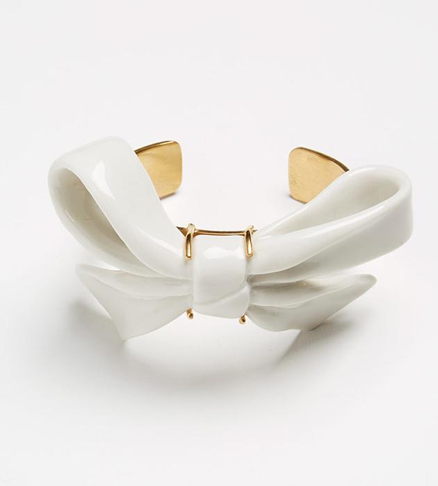 купите элегантное украшение ручной работы от ANDRES GALLARDO - Bow bracelet white