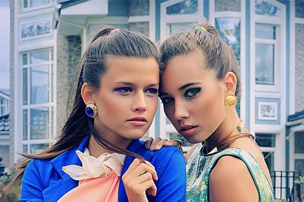 Винтажные клипсы Givenchy с синими кристаллами (80-е годы)