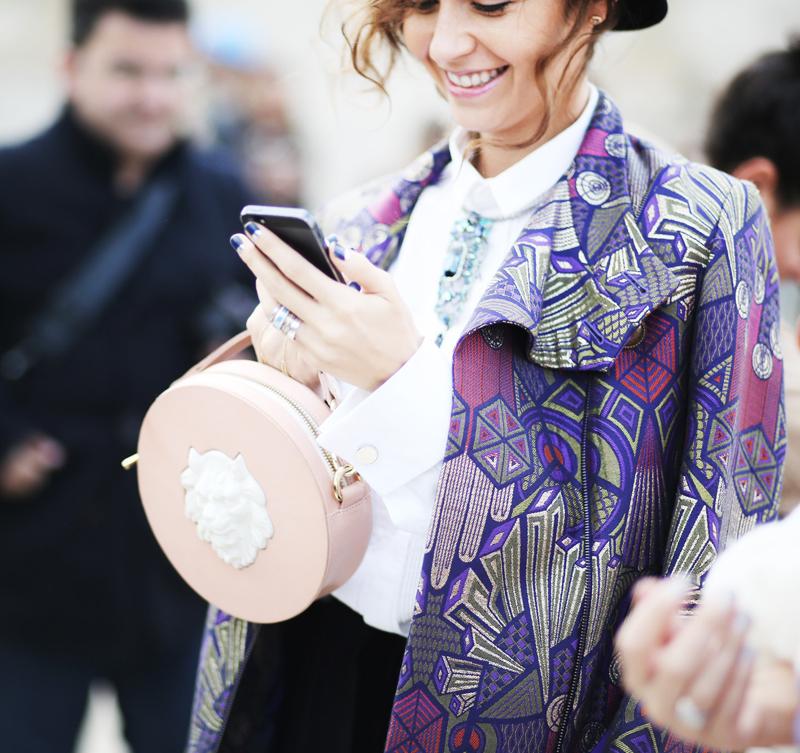 Наталья Захарова с сумкой Round Leather Lion от ANDRES GALLARDO