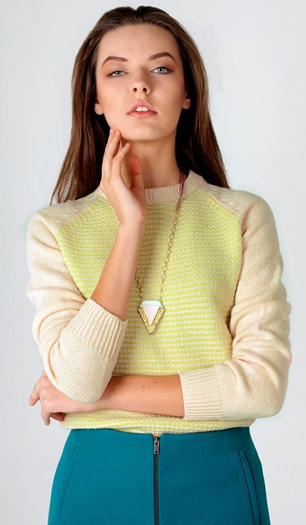 купить Женский шерстяной свитер с деликатной полоской картинки