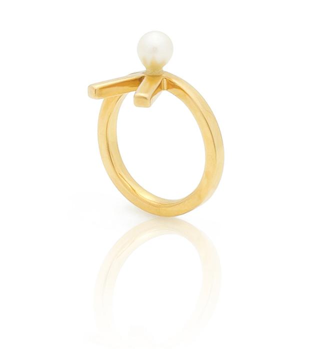 кольцо из позолоченного серебра на фалангу с натуральной жемчужиной от SMITHGREY - Mini Vivian midi ring