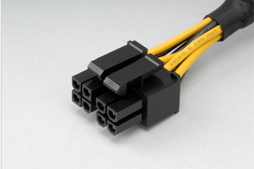 Поддержка ATX12V CPU 4-Pin и EPS12V CPU 8-Pin