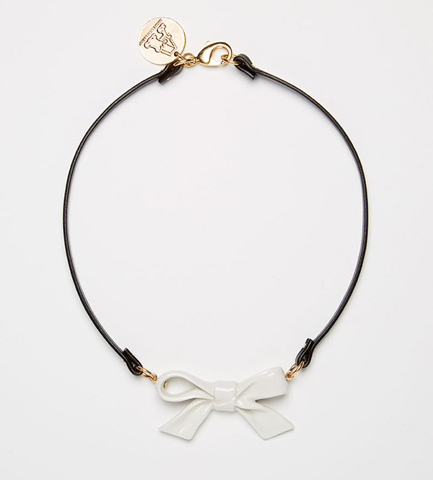 купите украшение в форме бантика на кожаном чокере от ANDRES GALLARDO - Single Little Bow White