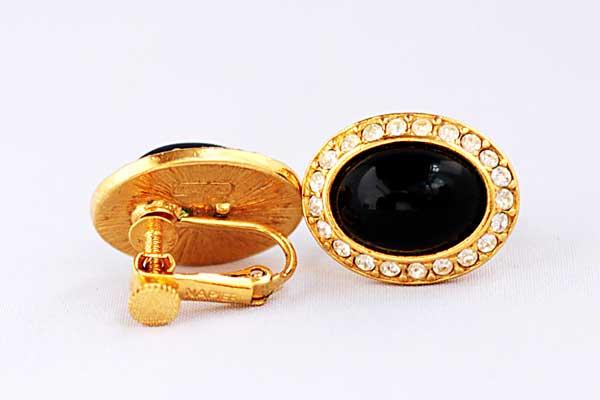 купить винтажные серьги-клипсы Trifari с черным камнем и кристаллами рублей