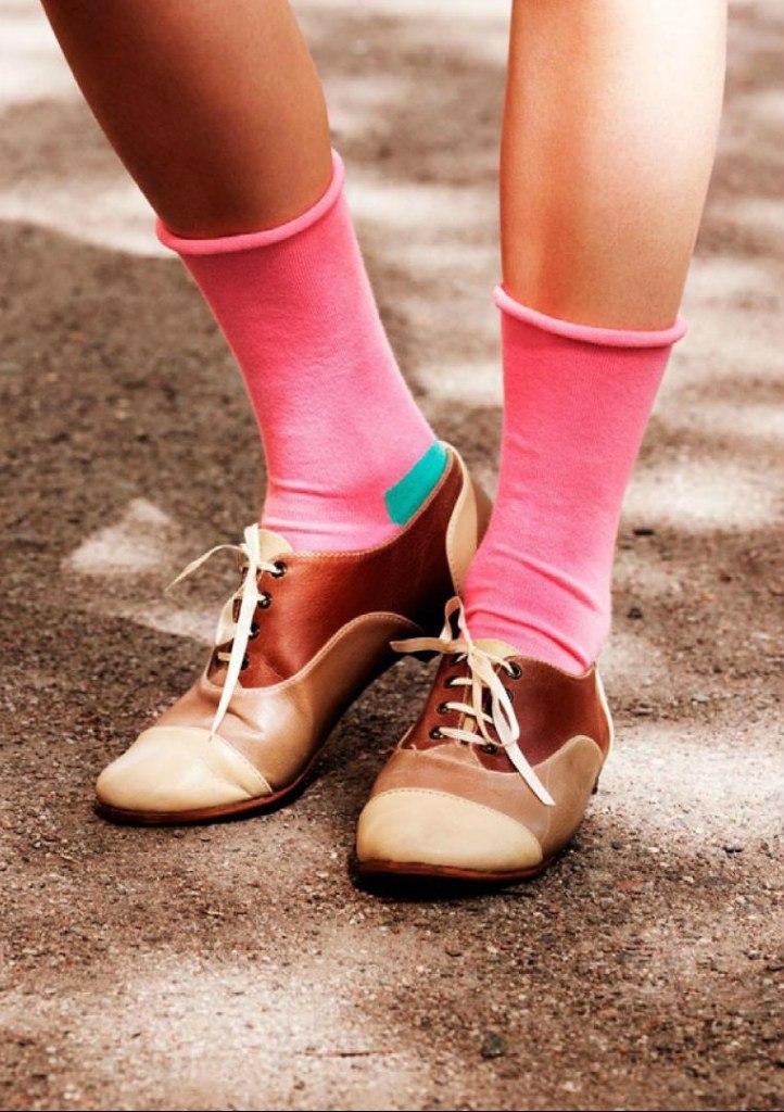 Стильные носки без верха девушки | Розовые носки без резинки с голубой пяткой без верха
