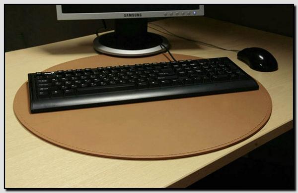 Кожаная подложка на стол