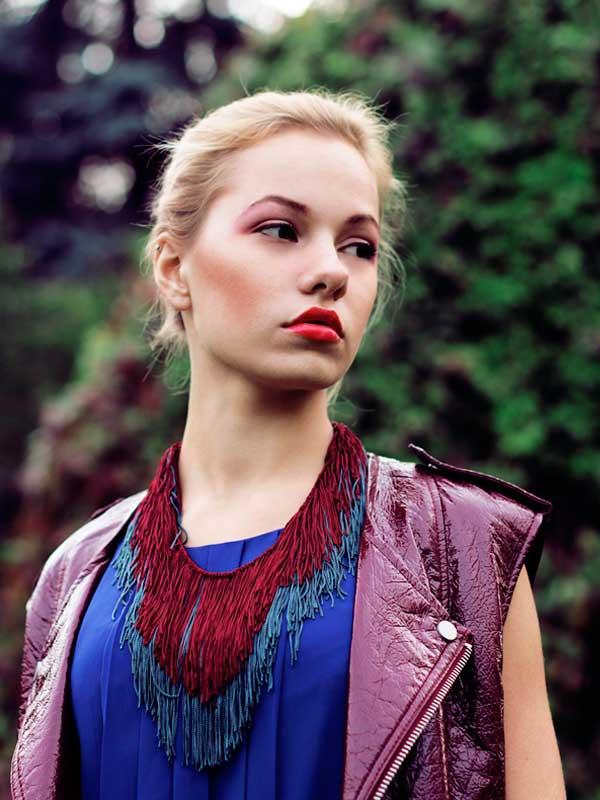 купить шелковое текстильное колье-ожерелье фото картинки серого бордового цвета