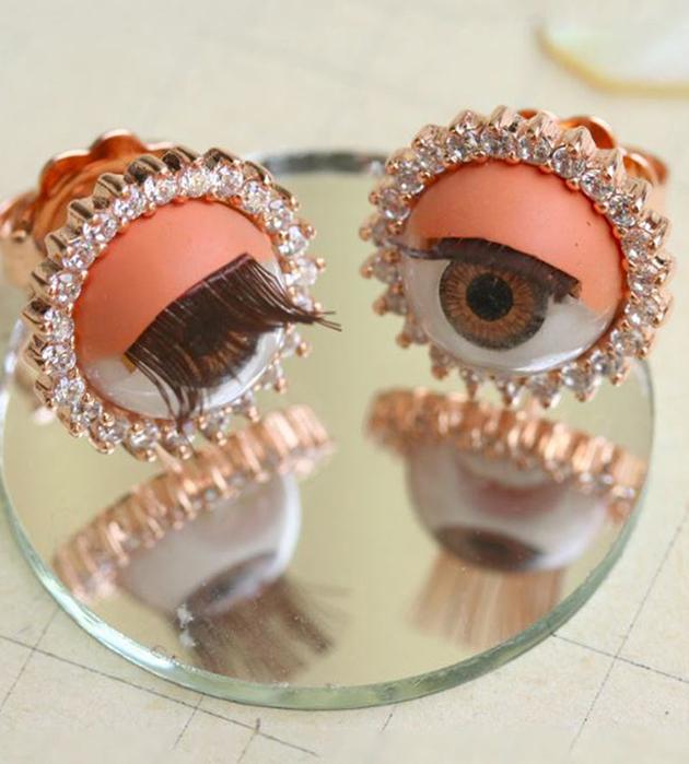 массивные серьги в виде кукольных глах Pink Eyes от Miss Bibi