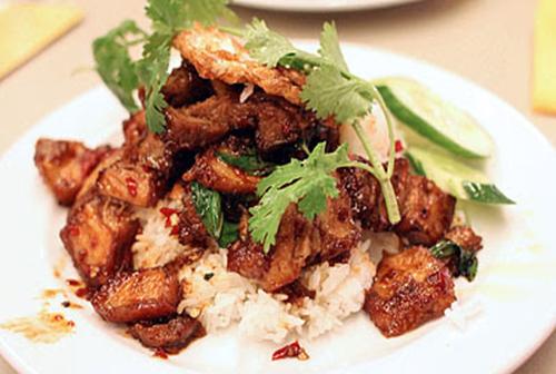 Подаем свинину с рисом