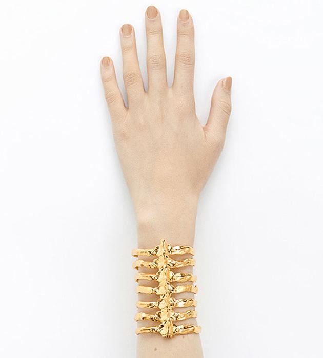 золотистый браслет-манжет из бронзы After Eden от BJORG